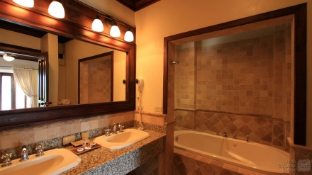 Tower Suite Bathroom